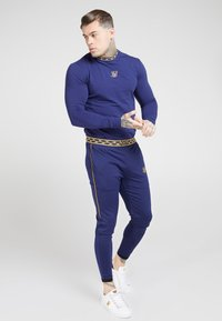 SIKSILK - SIKSILK LONG SLEEVE TAPE COLLAR GYM TEE - Long sleeved top - navy/gold - 1