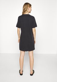 Monki - ABBIE DRESS - Žerzejové šaty - black dark - 2