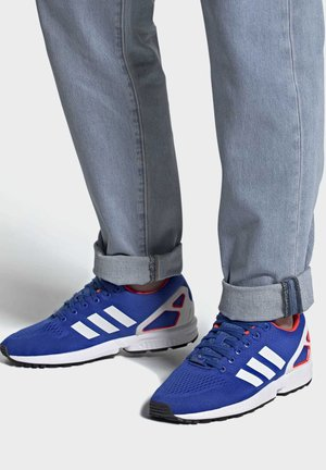 ZX FLUX - Baskets basses - blue/ftwr white/solar red