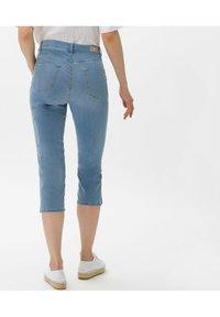 BRAX - STYLE MARY C - Denim shorts - used summer blue - 2