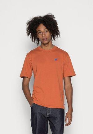 BASELINERS - Basic T-shirt - bombay brown