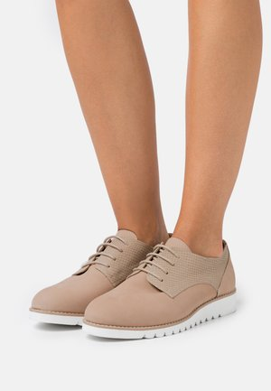 WIDE FIT FLINCH - Lace-ups - cappuccino