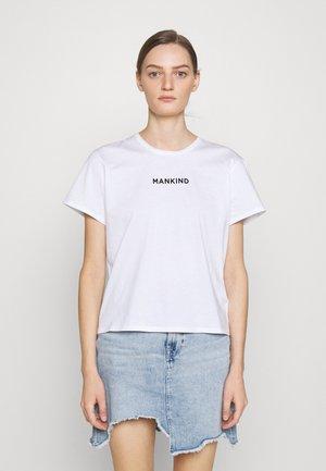 MANKIND TEE - T-shirt imprimé - white