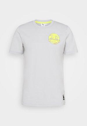 PUMA X EMOJI  - T-Shirt print - gray violet