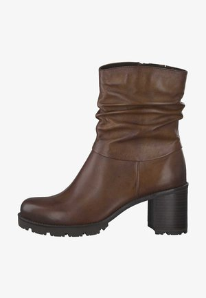 Classic ankle boots - cognac antic 310