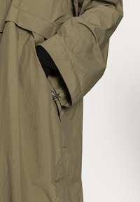 ARKET - Waterproof jacket - green - 3