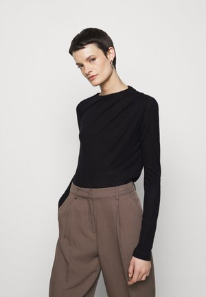 ISA - Long sleeved top - black