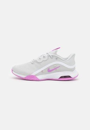 AIR MAX VOLLEY - Tennisschoenen voor alle ondergronden - photon dust/fuchsia glow/white