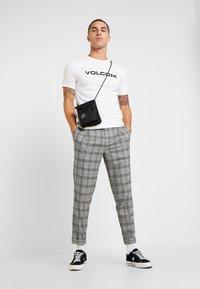 Volcom - CRISP EURO - Print T-shirt - white - 1