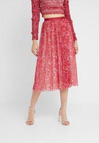 Needle & Thread - FLORAL MIDAXI SKIRT - Áčková sukně - cherry red - 0