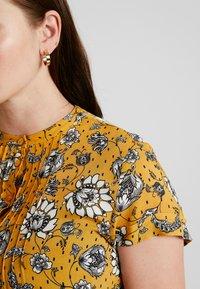 Queen Mum - DRESS NURS DENVER - Jersey dress - sunflower - 4