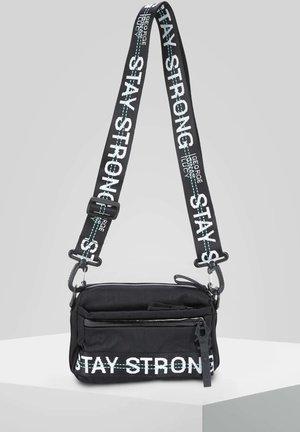 YMA - Across body bag - black