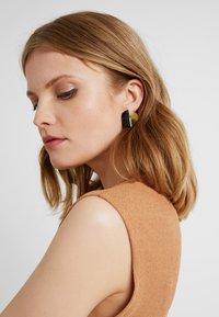 Soko - MIXED MSTUDS - Earrings - black - 1