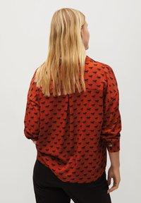 Violeta by Mango - EVERY - Button-down blouse - bräunliches orange - 2