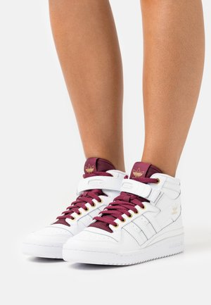 FORUM MID  - High-top trainers - footwear white/victory crimson/matte gold