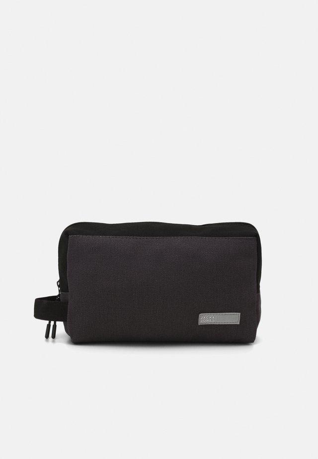 JACVANCE TOILETRY BAG - Trousse de toilette - black