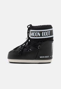 Moon Boot - CLASSIC LOW - Vinterstøvler - black - 1