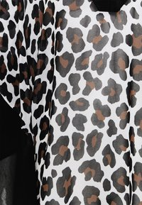 MICHAEL Michael Kors - LARGE LEOPARD VNECK CAFTAN COVER UP - Beach accessory - caramel - 2