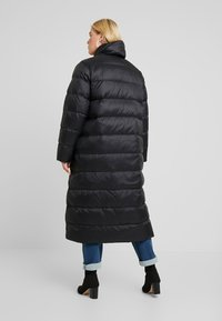 Zalando Essentials Curvy - Down coat - black - 2