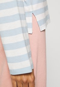 Monki - MAJA 2 PACK - Long sleeved top - blue/pink - 6