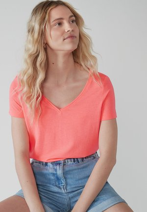 SLOUCH - Basic T-shirt - pink