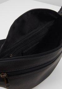 Pier One - UNISEX - Bum bag - black - 4