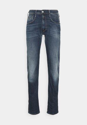 ANBASS - Jeans a sigaretta - dark blue denim