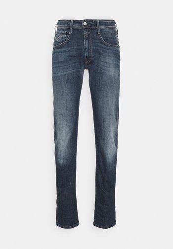 ANBASS - Straight leg -farkut - dark blue denim