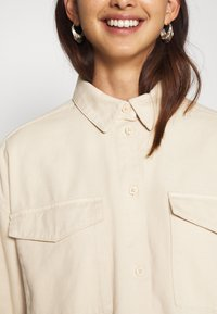 Monki - CIM SCALE - Blouse - beige - 5