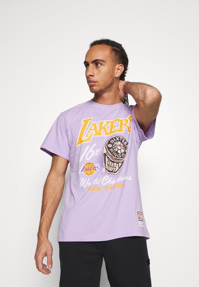 NBA LA LAKERS RINGS TEE - Klubtrøjer - purple