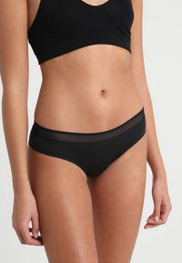 Sloggi - EVER FRESH CHEEKY HIPSTER - Slip - black - 0