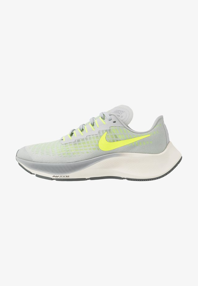 AIR ZOOM PEGASUS 37 UNISEX - Neutral running shoes - grey fog/volt/smoke grey/sail