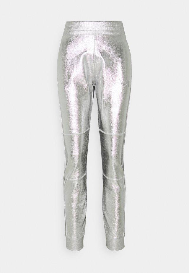 COATED PANTS - Træningsbukser - silver