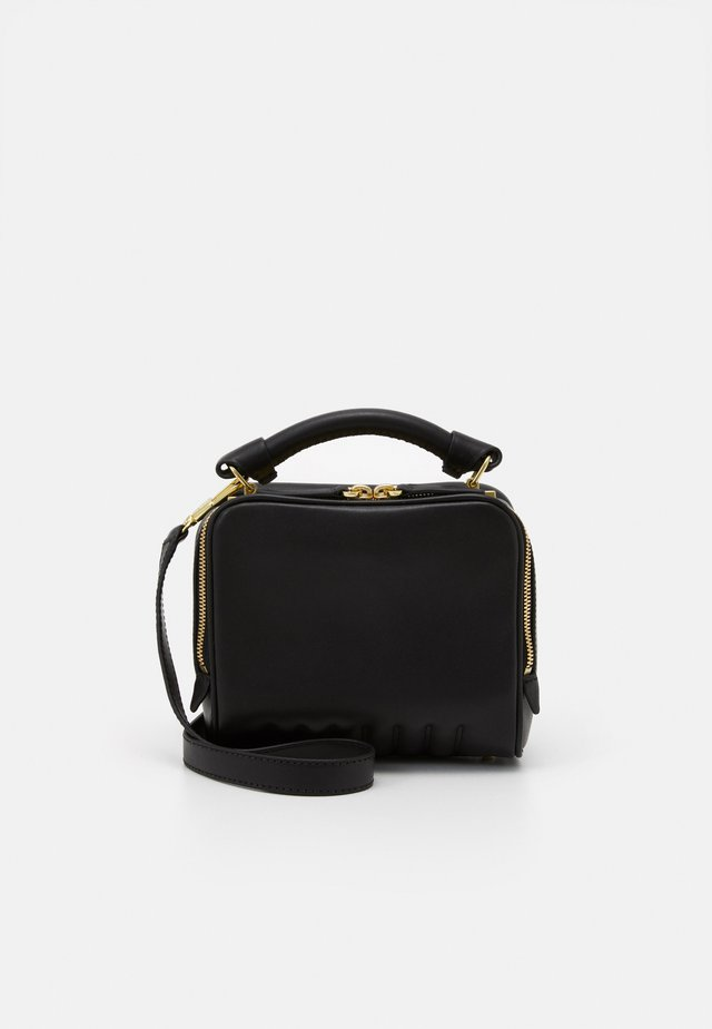 RYDER SMALL ZIP CROSSBODY - Skuldertasker - black/brass-coloured