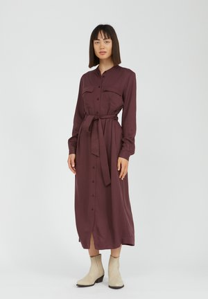 BEANTAA - Shirt dress - aubergine