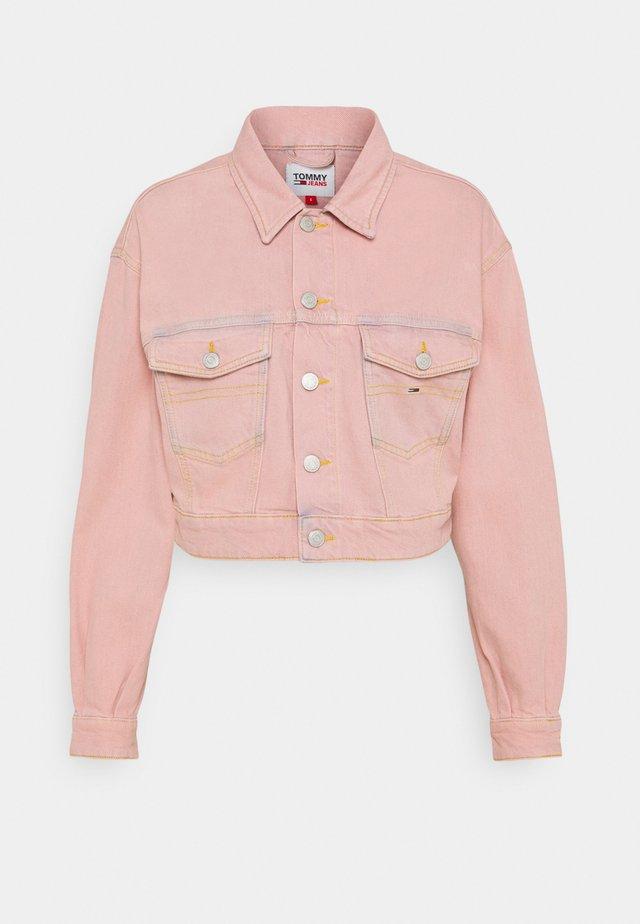 CROPPEDTRUCKER JACKET - Džínová bunda - pink daisy