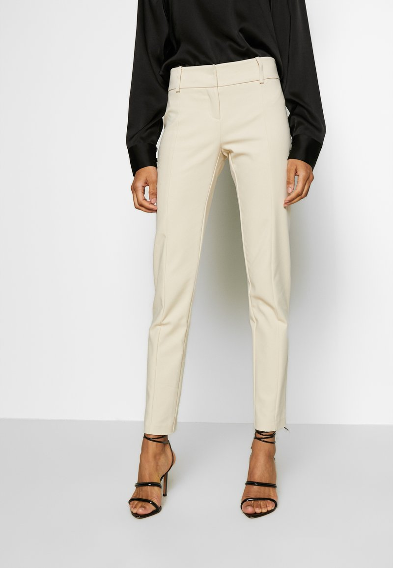 Patrizia Pepe - LOW FIT PANT - Pantaloni - antica beige