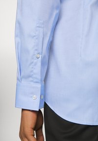 HUGO - KASON - Formal shirt - light pastel blue - 3