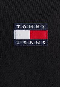 Tommy Jeans - BADGE HOODIE - Hoodie - black - 2