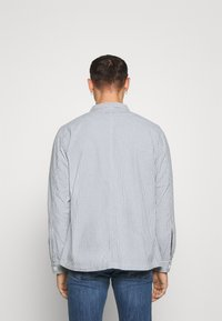 Dedicated - SALA THIN STRIPES - Shirt - blue - 2