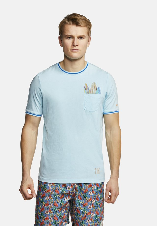 T-SHIRT SURFBOARDS GULL - T-shirt print - surfboards