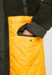 Nike Sportswear - FILL MIX - Übergangsjacke - kumquat/sequoia - 4