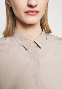 CLOSED - HAILEY - Button-down blouse - resin - 4