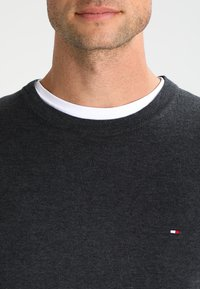 Tommy Hilfiger - C-NECK - Trui - charcoal heather - 3