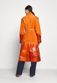 Bally - Trenchcoat - mandarino - 2