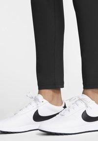 Nike Golf - FLEX  VICTORY - Kalhoty - black - 6