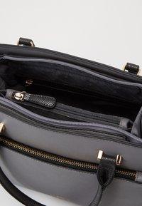 L. CREDI - FLORIANA - Handbag - grau - 2