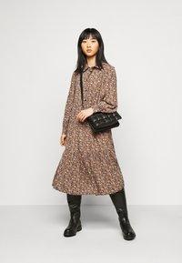 Pieces Petite - PCANJA MIDI DRESS - Shirt dress - black/brown/purple - 1