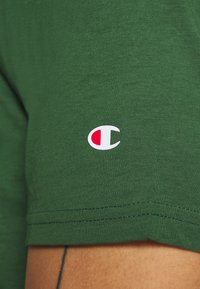 Champion - LEGACY CREWNECK - Camiseta básica - dark green - 5