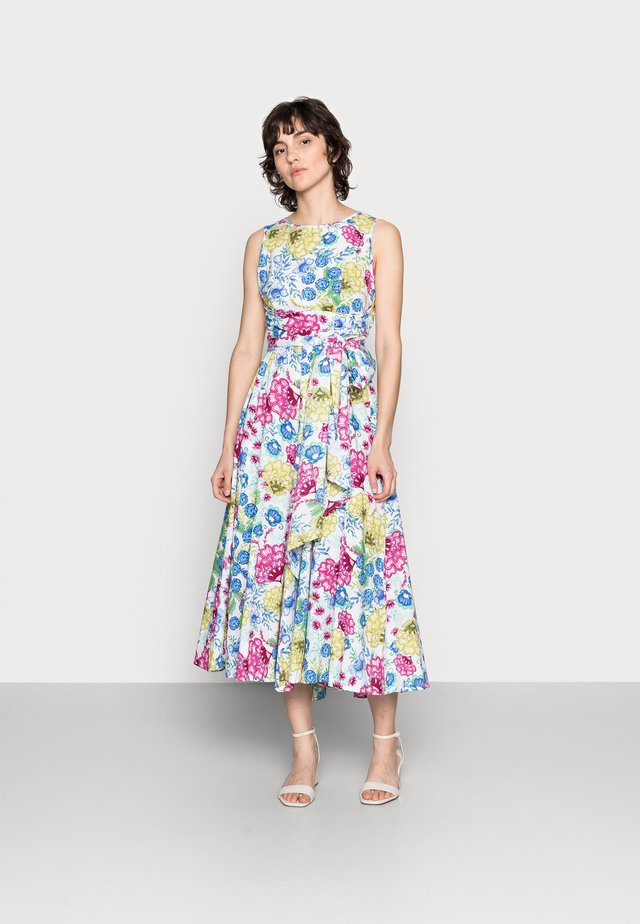 TABITHA TIE WAIST FLARE DRESS - Korte jurk - white